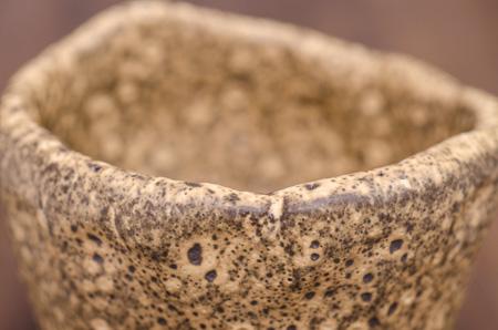 Detail Akzentschale mit sandfarbener Lasur