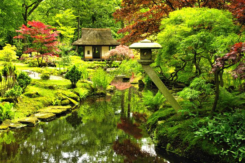 Japanischer Garten © evaverbraak - Fotolia.com